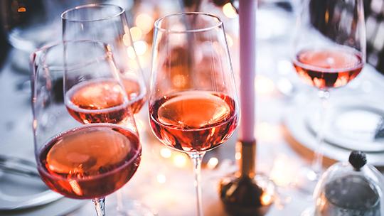 La saison du rosé est arrivée, venez découvrir la sélection de votre caviste !